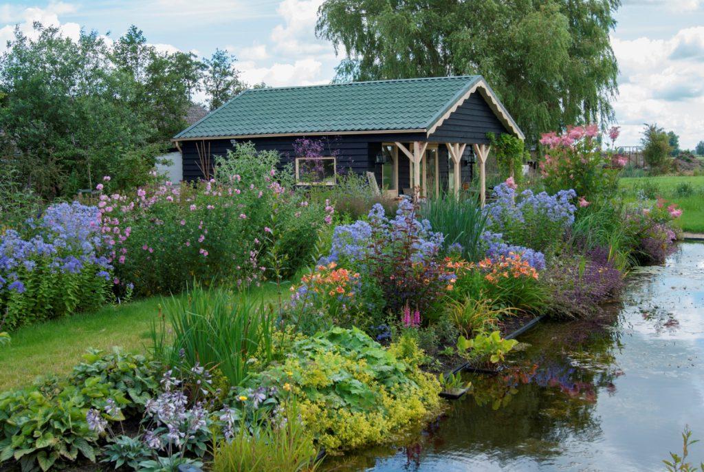 Bloemrijke tuin 09